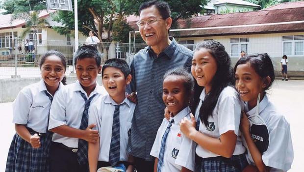 James Riady Dan Lentera Yang Menyalakan Cita Cita Anak Bangsa